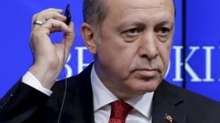 Президент Турции Реджеп Тайип Эрдоган обвинил 11 немецких депутатов турецкого происхождения, признавших геноцид армян, в терроризме.