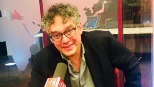 L'écrivain Michaël Ferrier en studio à RFI (septembre 2019).