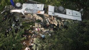 El autocar cayó desde una altura de 30 metros, 28 de julio de 2013.