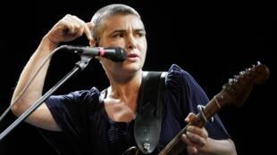 A cantora irlandesa Sinead O'Connor, desaparecida desde domingo (15), em imagem de arquivo de 2009.