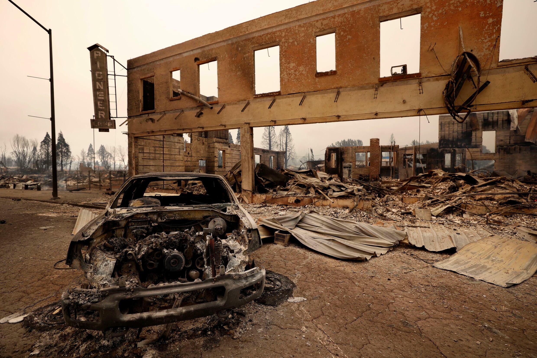 Poussé par des vents de 60 kilomètres par heure, Dixie Fire a brûlé 20000 hectares dans la nuit de mercredi à jeudi, dévastant au passage Greenville, ici le 5 août 2021.