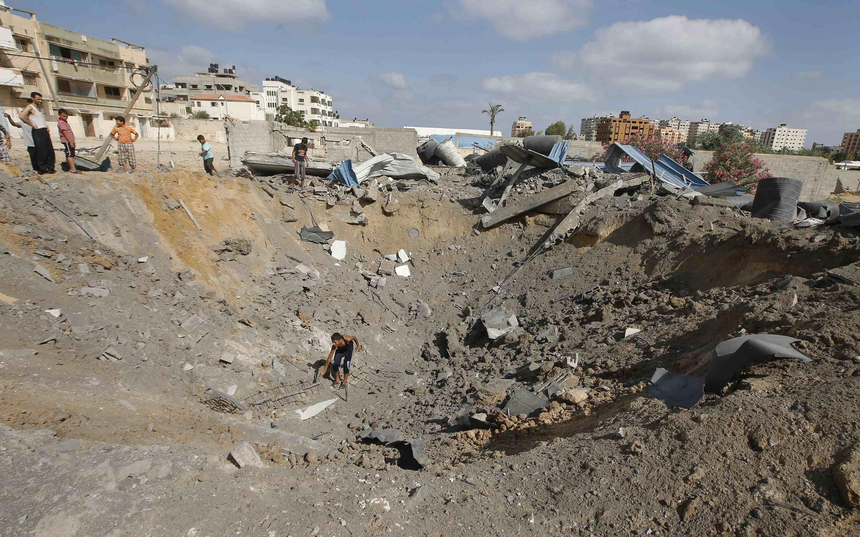 Israel bombardeia Gaza fazendo 10 feridos.
