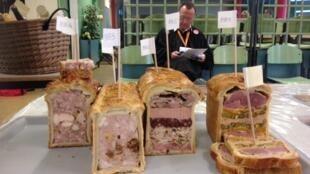 Паштетов во Франции моножество, в каждой провинции - свой