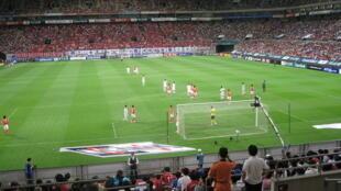 Ảnh tư liệu: Đội tuyển Hàn Quốc (áo trắng) gặp đội Bắc Triều Tiên trong giải bóng đá thế giới 2008, tại sân vận động Seoul Cup Stadium, ngày 22/06/2008 (Ảnh: Julie Facine — Flickr, CC BY-SA 2.0)