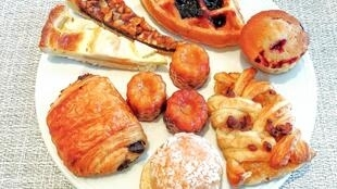 Bánh ngọt viennoiserie (loại chế biến công nghiệp) có nhiều chất phụ gia