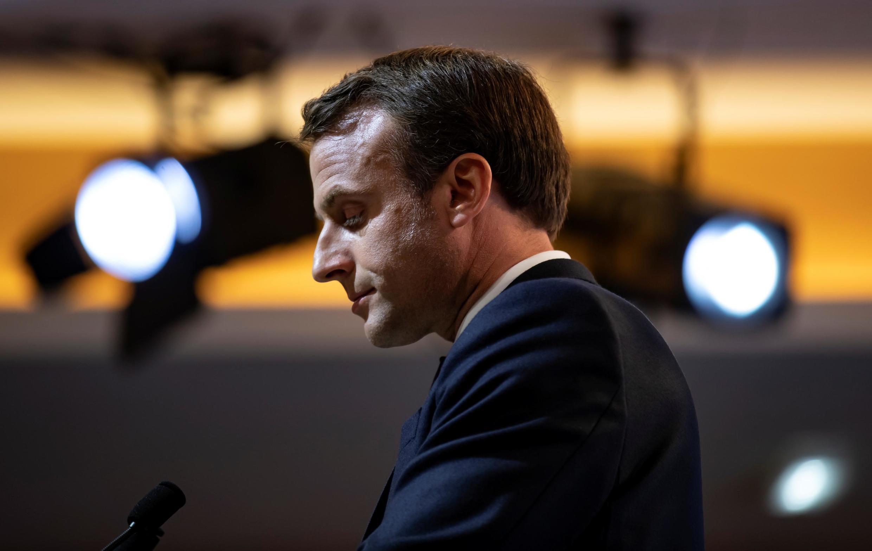 Emmanuel Macron sobre o véu e a imigração muçulmanos criticado pela direita e esquerda extremas