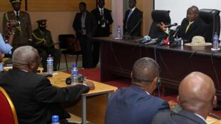 Le président ougandais Yoweri Museveni a amorcé les négociations politiques, ici le 15 juillet, avant de laisser la place à son ministre de la Défense.