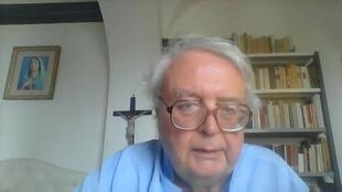 O padre italiano Giovanni Cavalcoli chocou até mesmo o Vaticano com as declarações contra as uniões homossexuais.