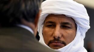 Bilal Ag Acherif, mwakilishi wa MNLA, wakati wa sherehe ya kuhitimisha mazungumzo kati ya raia wa Mali mjini Algiers, Machi 1 mwaka 2015.