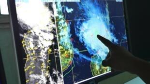 Le cyclone Belna (ici sur les écrans de la Direction Générale de la Météorologie de Madagascar le dimanche 8) a touché la Grande Île ce lundi 9 décembre 2019.