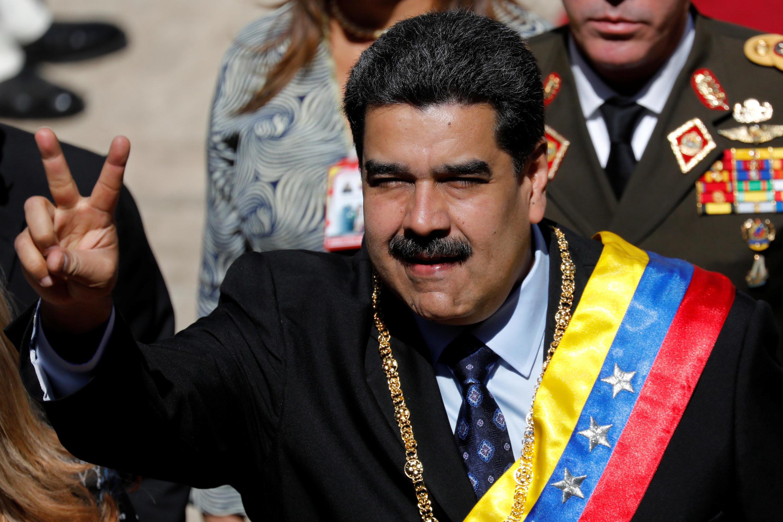 رئیس جمهور ونزوئلا، نیکلاس مادورو، هنگام ورود به جلسه فوقالعاده مجلس مؤسسان در کاراکاس. دوشنبه ۲۴ دی/  ١٤ ژانویه ٢٠۱٩ .