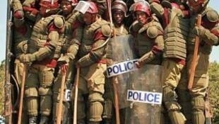 Membres des forces de l'ordre de Nukuru, dans la province de la vallée du Rift, au Kenya.