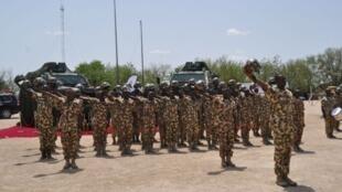Wasu Sojin Najeriya da ke yaki da ta'addanci a Maiduguri.
