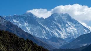 L'altitude de l'Everest revue à la hausse: la Chine en pleine «diplomatie des sommets»