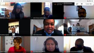 Capture d'écran du débat en ligne du 15 septembre organisé à l'occasion de la journée mondiale de la démocratie. Parmi les panélistes, quelques uns des lanceurs d'alerte reconnus de la Grande Île.