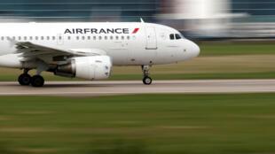 An Air France plane takes off
