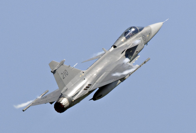 Governo brasileiro confirma compra de 36 caças Gripen da sueca Saab.
