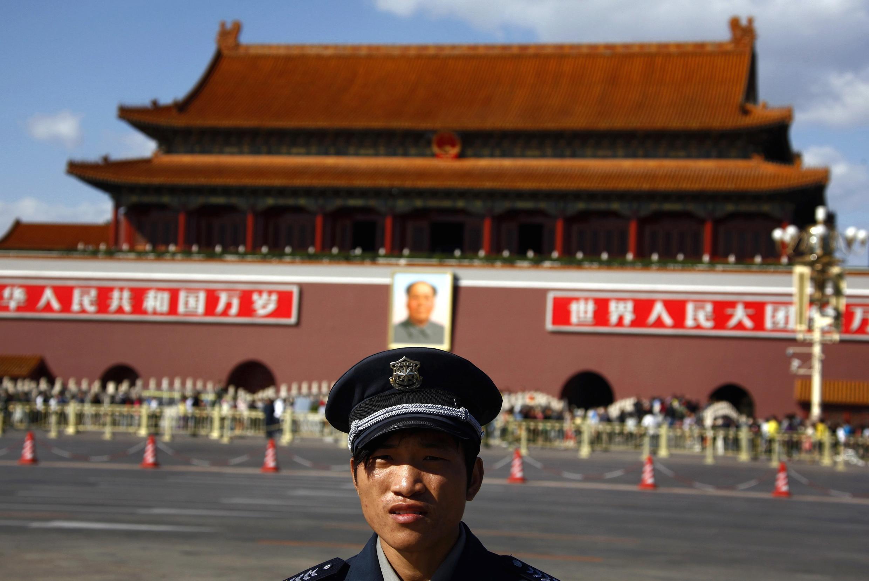 Quảng Trường Thiên An Môn cùng bức ảnh Mao Trạch Đông. Ảnh tháng 9/2012.