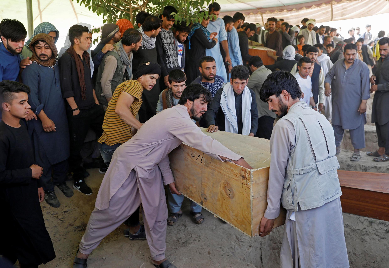 Atentado suicida em festa de casamento no Afeganistão deixa pelo menos 63 mortos e 182 feridos