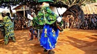 Cérémonie Gèlèdé à Cové au Bénin en 2006.