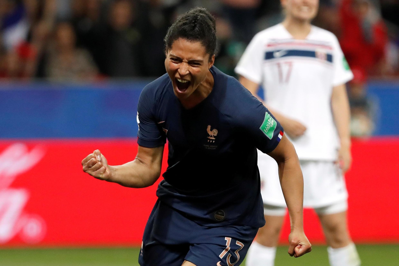 Valérie Gauvin exulte après son premier but en Coupe du monde face à la Norvège, le 12 juin 2019.