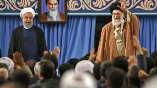 Le président de la République islamique d'Iran, Hassan Rohani, et le guide suprême de la révolution Ali Khamenei, en 2017 à Téhéran. (Image d'illustration)