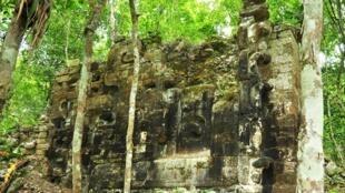Puerta de Lagunita, yacimiento arqueológico de la cultura maya precolombina en el municipio de Calakmul, estado de Campeche, México.