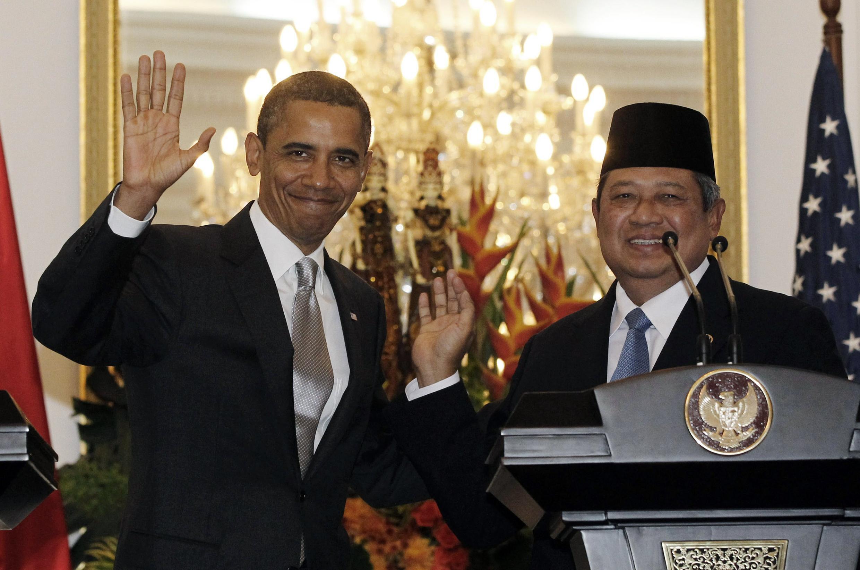 US President Barack Obama and Indonesia's President Susilo Bambang Yudhoyono in Jakarta, 9 November