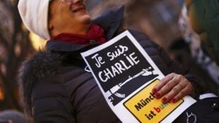 Manifestation contre le racisme et le mouvement anti-islam Pegida, lundi 12 janvier 2015 à Munich.