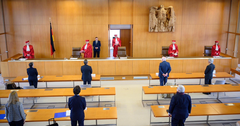 Các thẩm phán Tòa Bảo Hiến Đức ngày 05/05/2020 yêu cầu Ngân Hàng Trung Ương Châu Âu giải trình chính sách mua nợ năm 2015.