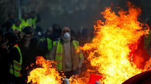 Yellow Vest protesters (Gilets Jaunes) in Angers, France, 2019 (illustration).