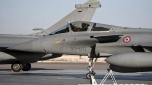 Des Rafale français sur la base aérienne 104 à Al-Dhafra, aux Emirats Arabes Unis.