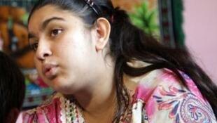 A jovem kosovar Leonarda Dibrani se recusou a voltar à França sem a família.