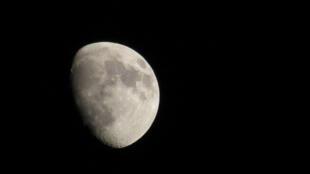 Trung Quốc và Mỹ đọ sức để chiếm đoạt Mặt Trăng ?