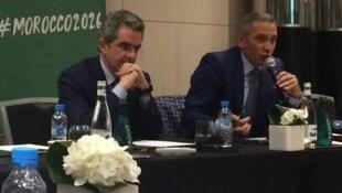 Hicham El Amrani (à gauche) et Moulay Hafid Elalamy (à droite), porteurs de la candidature Maroc 2026, en conférence de presse le 27 mars 2018.