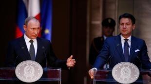 Tổng thống Nga Vladimir Putin et thủ tướng Ý Giuseppe Conte tại cuộc họp báo chung ở Roma, ngày 04/07/2019.