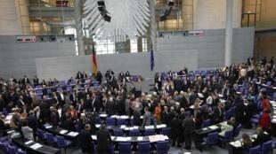 Les députés allemands lors du vote de la proposition d'aide à la Grèce, à Berlin le 7 mai 2010