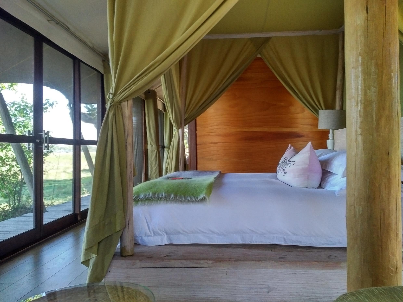 Habitación de una de las cabañas del campamento Xaranna, en el Delta de Okavango, Botsuana.