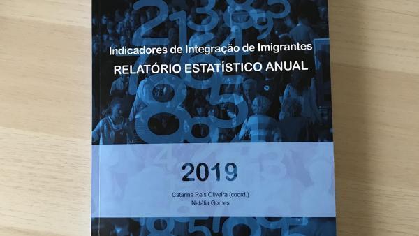 Capa do Relatório de Indicadores de Integração de Imigrantes, lançado pelo Observatório das Migrações, em Lisboa, em 18 de dezembro de 2019.