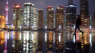 上海浦东夜景远眺