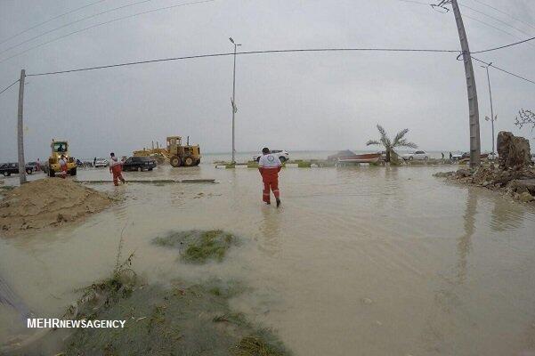طغیان آب دریا در استان بوشهر خسارتهای جانی و مالی برجای گذارد.