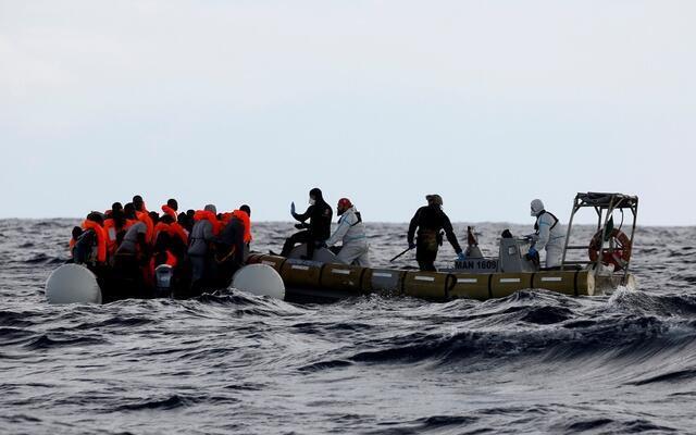 نزدیک به ۶٠ مهاجر که اکثراً اهل بنگلادش بودند، در آبهای مدیترانه غرق شدند. - تصویر آرشیوی