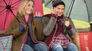 Renée Zellweger (à droite) et Sally Phillips dans « Bridget Jones Baby ».