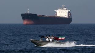 Une patrouille maritime iranienne dans le détroit d'Ormuz, le 30 avril 2019.
