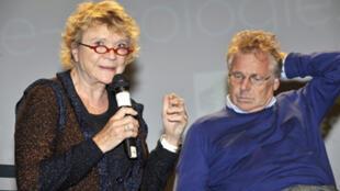 La députée européenne écologiste Eva Joly (G) et le leader écologiste Daniel Cohn-Bendit (D) à la convention régionale d'Europe Ecologie  à Arcueil en Ile-de-France, le 08 mai 2010.