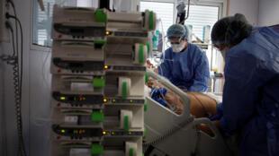 2020-04-01 france coronavirus paris hospital