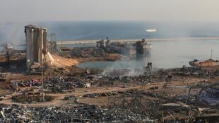O  porto de Beirute, no Líbano, após as duas explosõe na terça-feira, 4 de agosto de 2020.