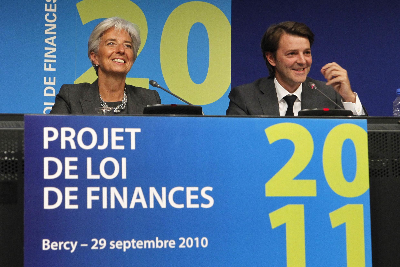 A ministra francesa das Finanças, Christine Lagarde, e o ministro do Planejamento, François Baroin, apresentam o orçamento francês de 2011.