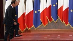 François Hollande e Mario Monti em um encontro em Rome em setembro. Os líderes voltam a se encontrar nesta sexta-feira (5) para falar sobre a crise.