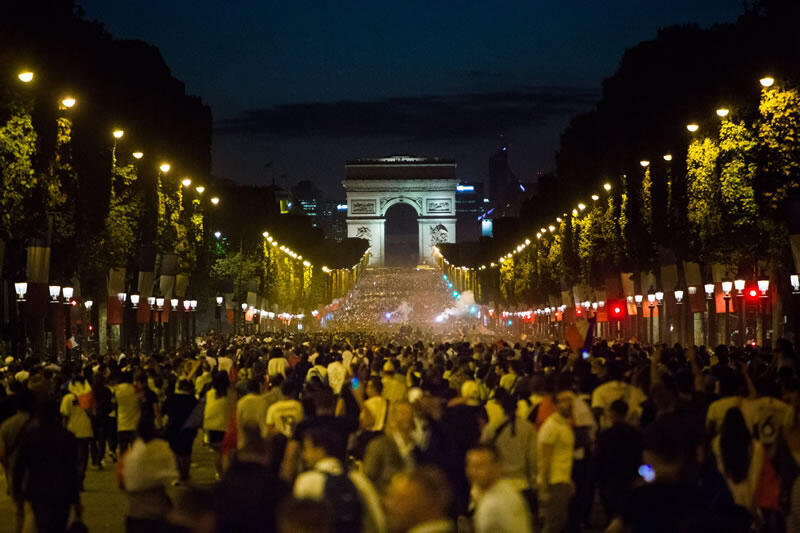 Si Francia gana la final este domingo, se calcula que cerca de un millón de personas irá a celebrarlo en los Campos Elíseos de París.